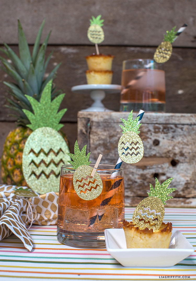 Pineapple party decorations lia griffith for Ananas dekoration