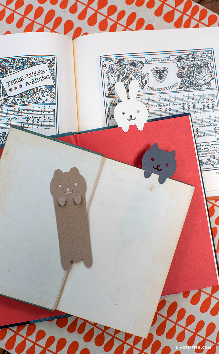 Little_Animal_Paper_Cut_Bookmarks